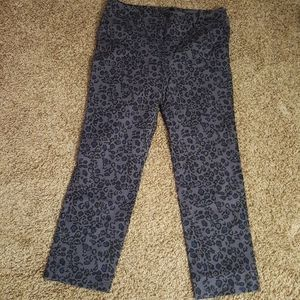 Ann Taylor signature size 8 cropped pants
